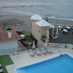 Vista mare e piscina