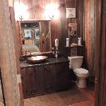 Old Poat bathroom