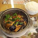 Aubergine & chicken hotpot with steamed rice