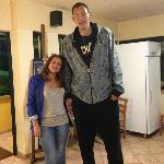 Atleta cinese più alto al mondo con amica