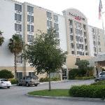 Hotel e Estacionamento
