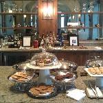 Fairmont Gold Lounge - Snacks & Cookies