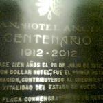 Placa conmemorativa 1912-2012 en su centenario.