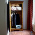 "Closet in ""superior room"""