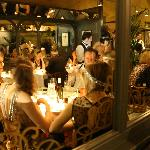 Midnight in Paris, Front Restaurant