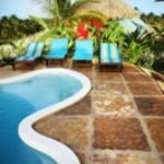 Que tal relaxar nesta piscina?