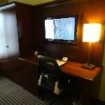 Desk / Closet / TV
