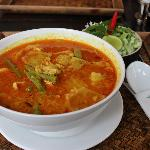 Khmer noodle curry with chicken