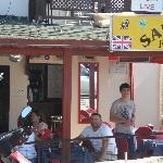 sandys pub