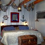 Boathouse Suite with kingbed
