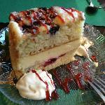 Lemon Berry Marscarpone Cake