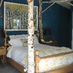 Sonoma Vintage guest room
