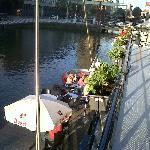 unas cervezas en el hotel sobre el canal!!!