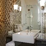 Camp Estate Bathroom