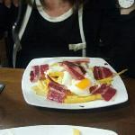 huevos con patatas y jamon...riquisimo