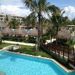 La Perla pool area