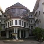 front of the Ridar Hotel