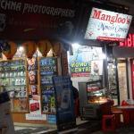Mangloo's Kulche & Momo's Shop