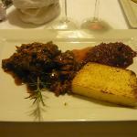 filetto di capriolo con finferli e polenta