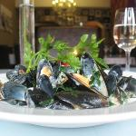 Moules Mariniere with cream and garlic