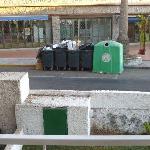 The noisy bins