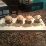 umami kobe sliders with vermont sharp cheddar, bistro bread and butter pickles and garlic aioli