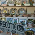 Great shopping near by, including nice Siena Pottery.