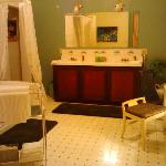 Becky Thatcher Suite Bathroom