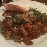 Spinach pasta & Lamb meatballs