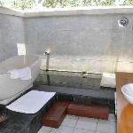 The outdoor bathroom - magic!