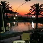 la piscina by night...