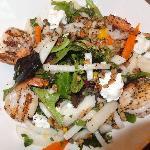 ENSALADA DE CAMARON CON MIEL  Grilled shrimp, jicama, mangos, roasted walnuts and goat cheese c