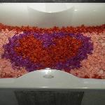 Flower bathtub