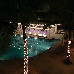 Bar piscina noche