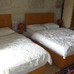 двуспальная и односпальная кровати