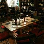 tavolino interno Enoteca Peluso