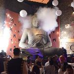 Atracción visual principal del lugar: El Buda meditando.