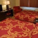 Standard Queen-Queen Room