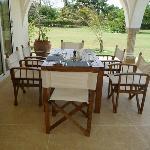 Mzima Cottage - dining