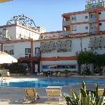 façade vue de la piscine