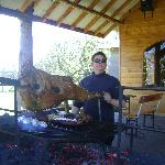 Chef y parrillero: el mismo dueño asa las carnes
