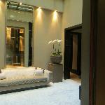 3 floor lobby