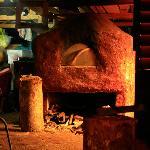 Eua - the clay pizza oven