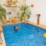piscina y zona recreativa