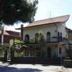 B&B La Giara - Nicolosi - Etna - villa frontale da viale della regione