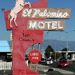 El Palomino sign