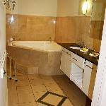 ensuite, spa bath awesome!