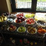 The best fresh fruit spread in all of Ireland