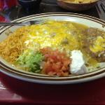 combo enchiladas with green sauce. completely addictive!!!