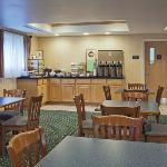 CountryInn&Suites Milford BreakfastRoom